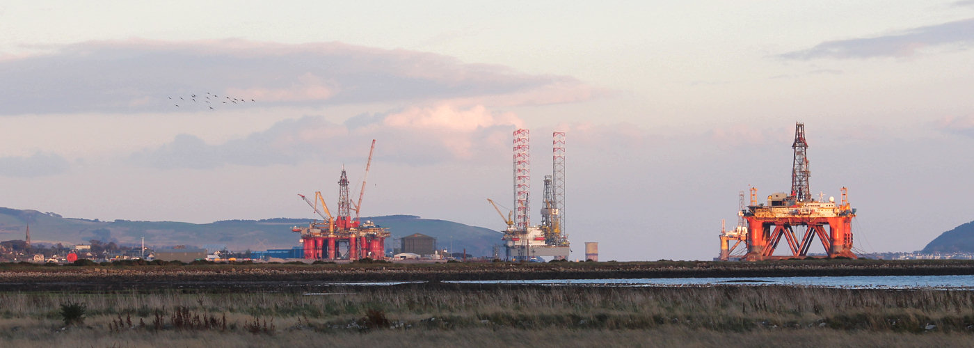 Oil rigs from Alness Point